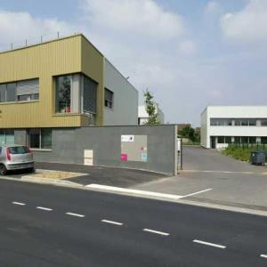 Location local 105 m² non divisibles