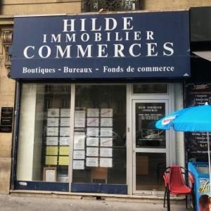 Location local commercial 38 m² à Paris