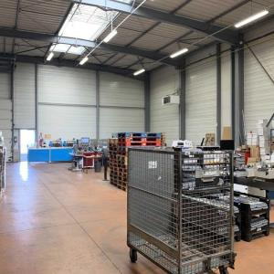 Location local 535 m² non divisibles