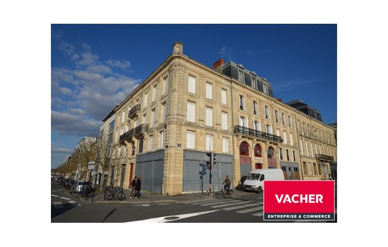 Location local commercial 239 m² non divisibles