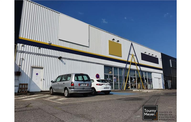 Location local commercial 728 m² non divisibles