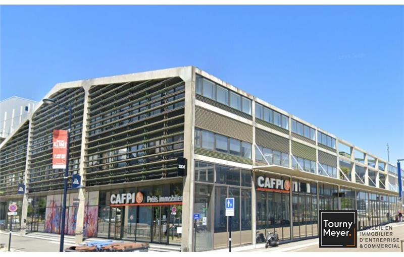 Location local commercial 274 m² non divisibles