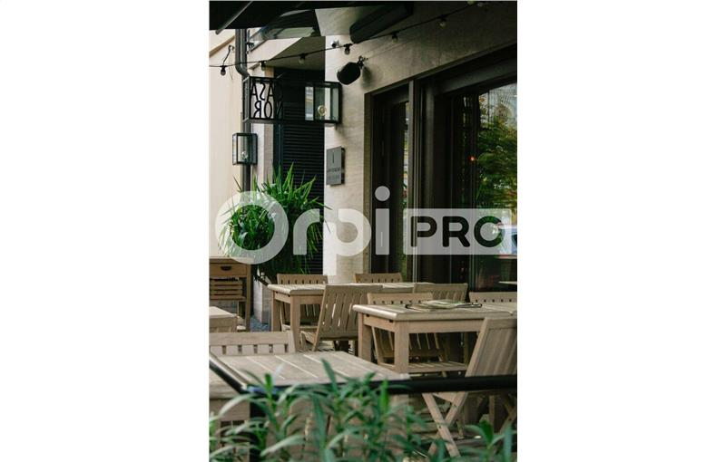 Vente fonds de commerce 150 m² à BOURG EN BRESSE