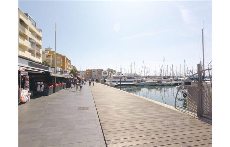 Vente fonds de commerce 100 m² à CAP D\'AGDE