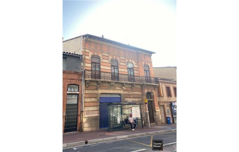 Location local commercial 85 m² non divisibles